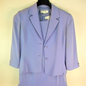 Women's Suit color lavender size 10 Pre-Owned Used